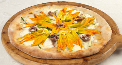 Pizza cu ricotta, gorgonzola și flori de dovleac - Galbani