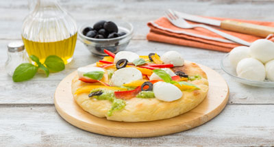 Pizza cu legume crocante și mozzarella - Galbani